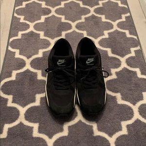 Men's black Nike air max